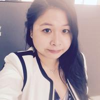 Eva Lau Headshot